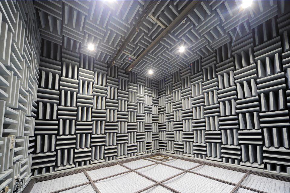 無響室(音の研究施設)